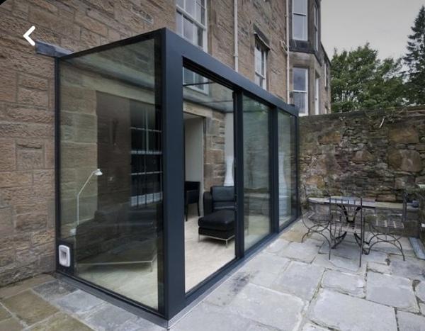 ¿Cuánto costaría realizar una estructura metálica con vidria?