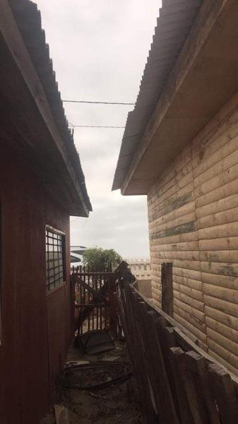 ¿Está en regla lo que construyó mi vecino?