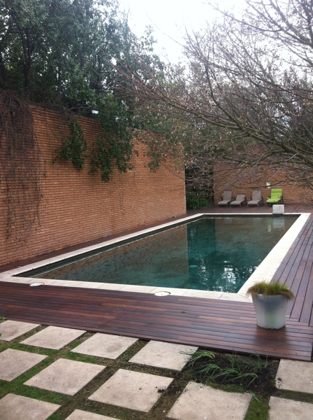 Borde piscina con deck habitissimo for Bordes de piscina