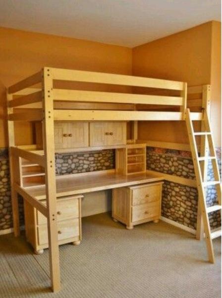 ¿Cuál es el valor del camarote escritorio y que madera es?