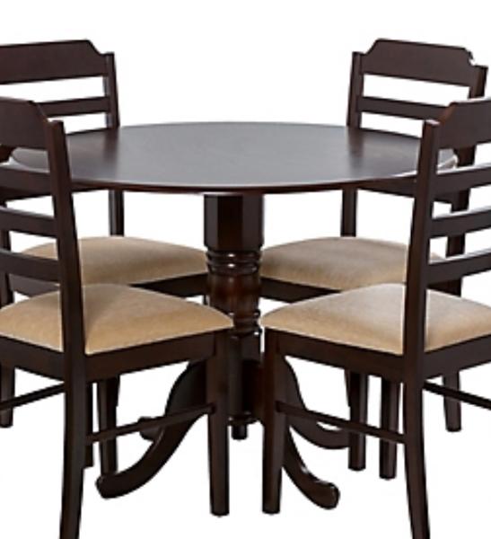 Consejo para barnizar una mesa que tiene una mancha de pegamento