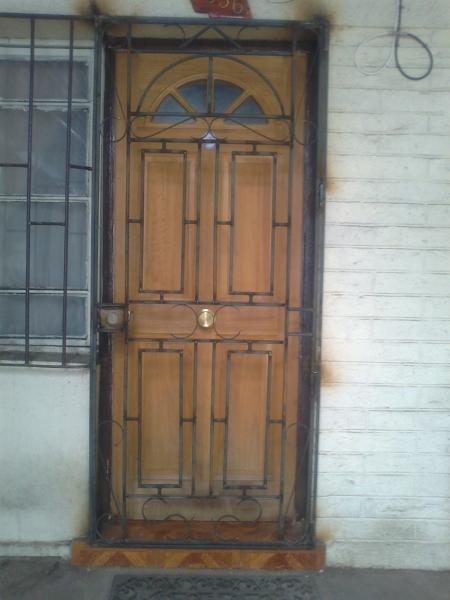 ¿Cual es el valor aproximado para una defensa de una puerta como el de la foto?