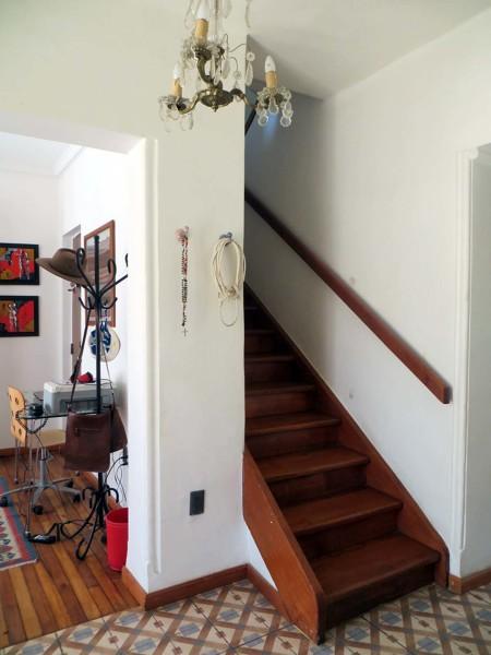 ¿Qué dimensiones tiene la escalera?