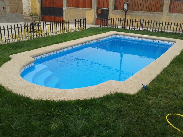 Que medidas tiene esta piscina habitissimo for Medidas de piscinas