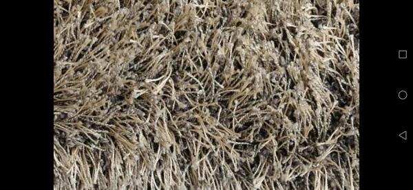 ¿Cómo lavar alfombras de pelo largo?