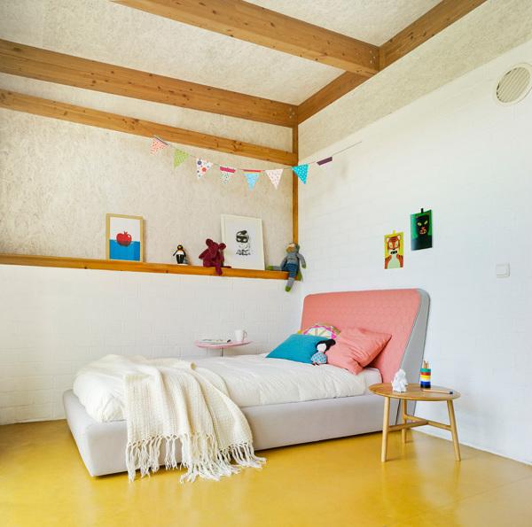 ¿Se puede instalar linóleo sobre piso de tablas?