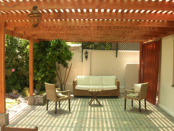 Precio de esta terraza para un patio de unos 25 m2 - Tipos de toldos para patios ...