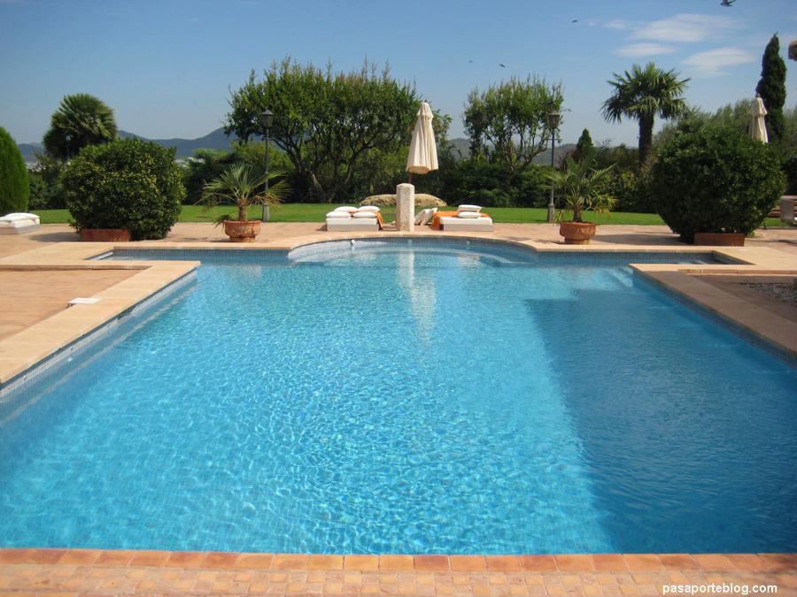 Construcci n de piscina los ngeles regi n viii biob o for Presupuesto construccion piscina