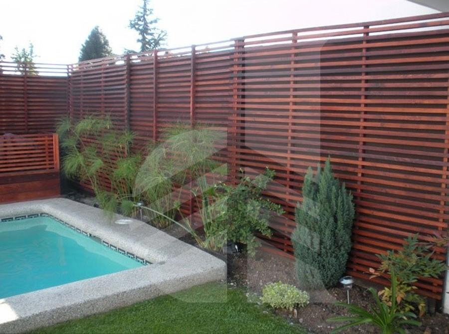 Cobertizo radier y baldosa deck madera treillage for Galpon de madera para jardin