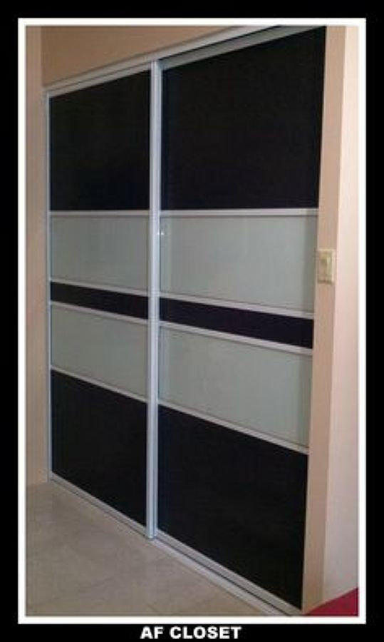 Puerta corredera para closet estaci n central regi n for Modelos de puertas para closet