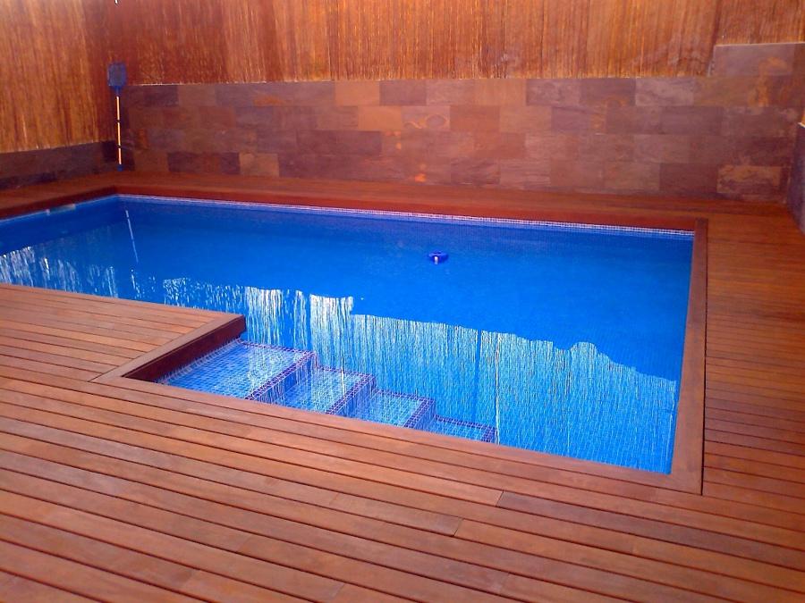 Construcci n de piscina en el mejor lugar del patio y - Precio construccion piscina ...