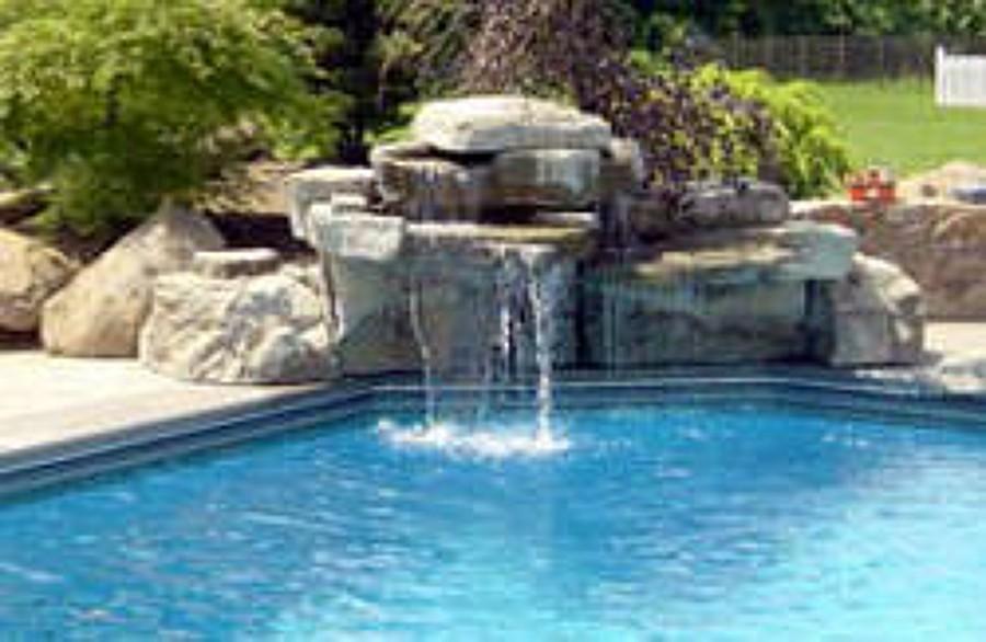 Construccion de piscina mariquina regi n xiv los r os for Piletas con cascadas