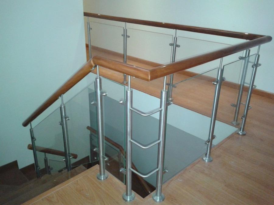Hacer escalera interior de vidrio madera y acero for Escalera electricista madera