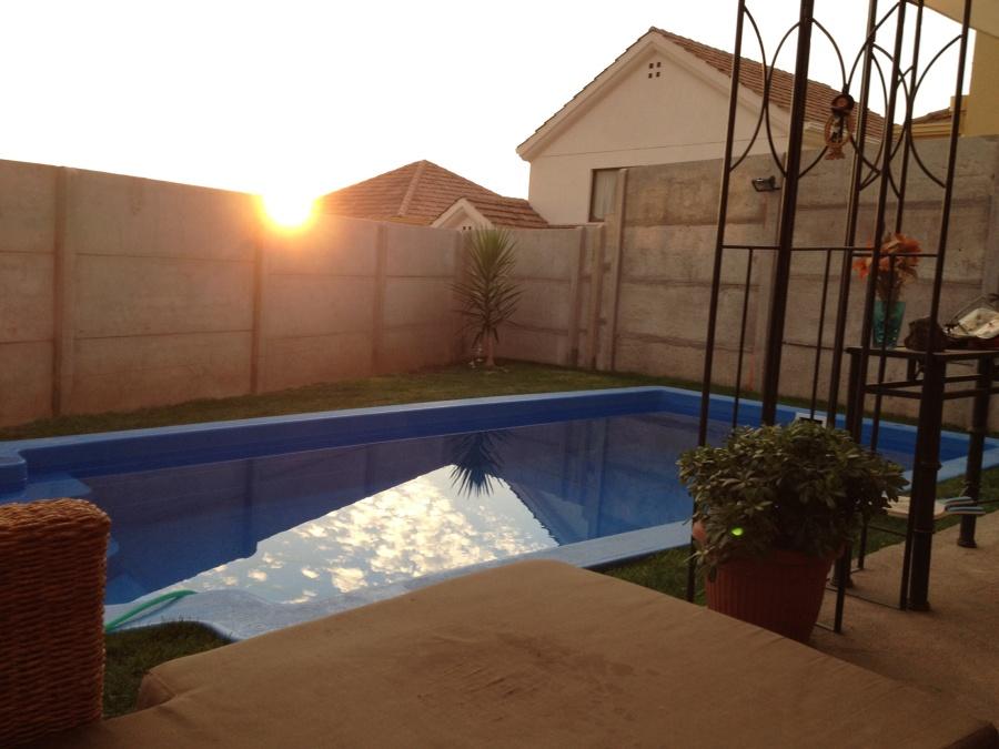Borde para piscina de fibra modelo romana de 6x3 aprox for Precio construccion piscina 6x3
