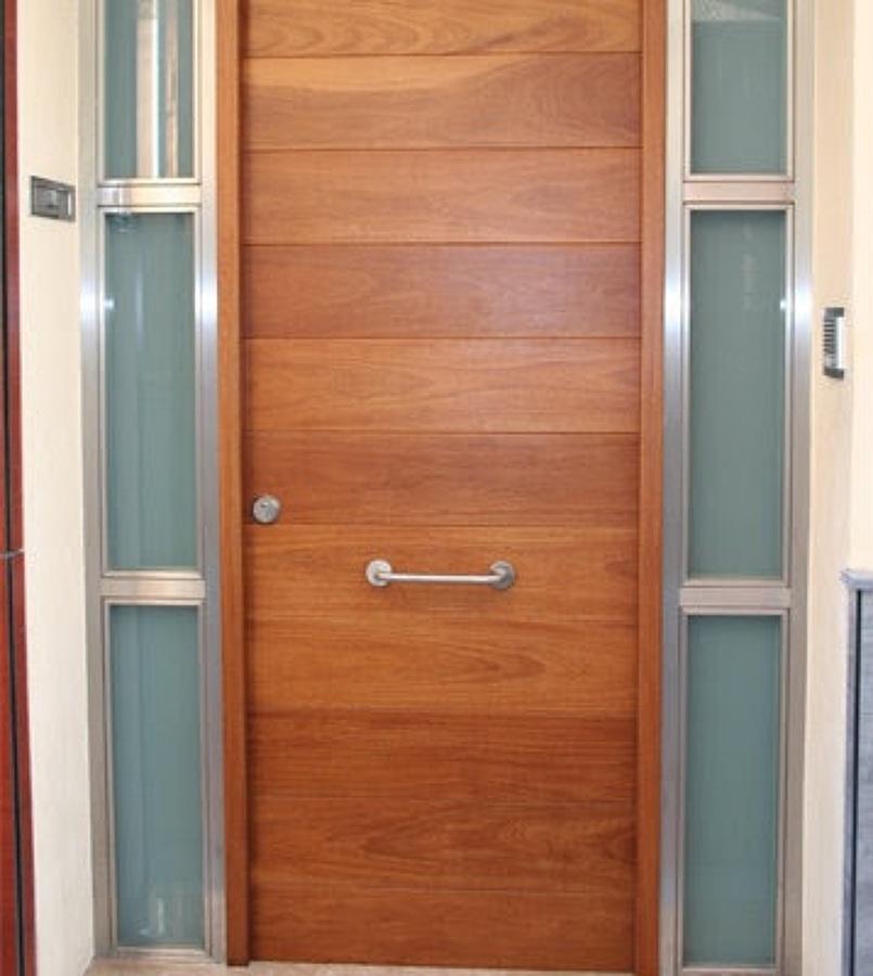 Puertas modernas puertas exterior puertas de entrada for Precios de puertas de madera entrada principal