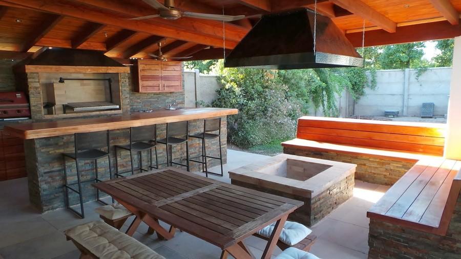 Construcci n de piscina y quincho valpara so regi n v for Precios de cobertizos