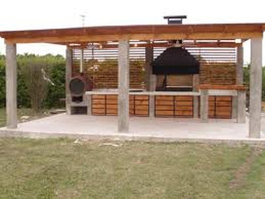 Realizar un cobertizo de auto 4 6x3 8 de madera y tejas for Casas con cobertizos