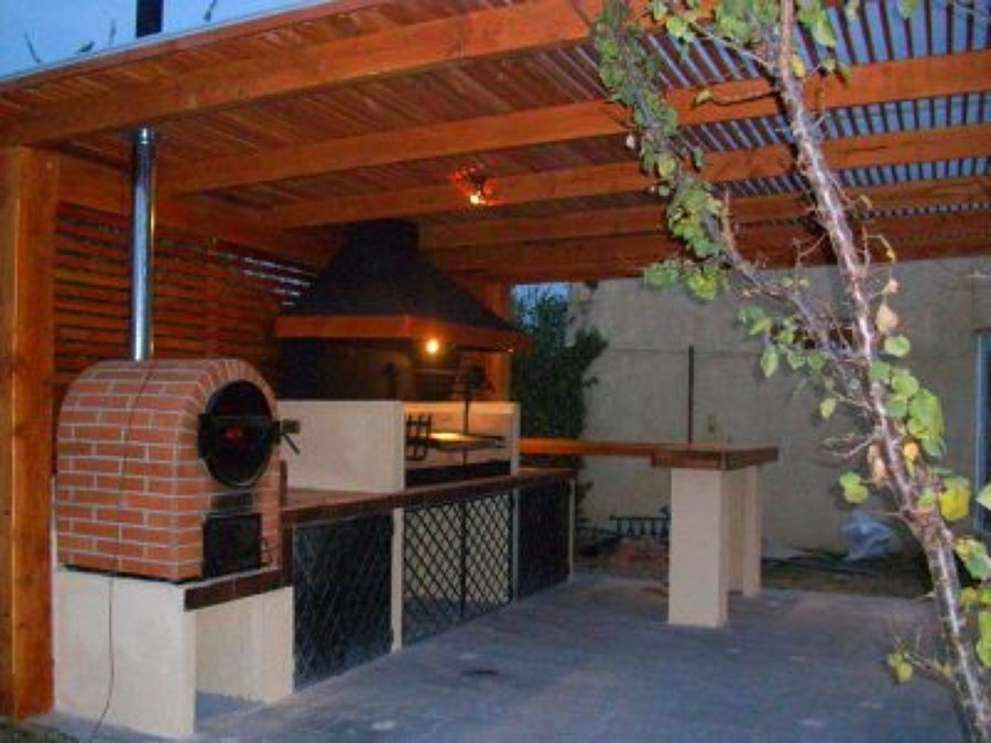 Pin disenos asadores genuardis portal on pinterest for Diseno patio