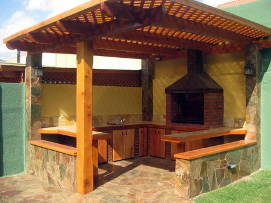 Construccion de quincho pergola y piscina romana la for Patio con lavadero