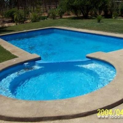 Piscina de cemento y granito encerro coinco coinco for Construccion de piscinas de concreto
