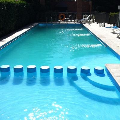 Piscinas de acero galvanizado trendy escalera piscina - Piscinas de acero galvanizado ...