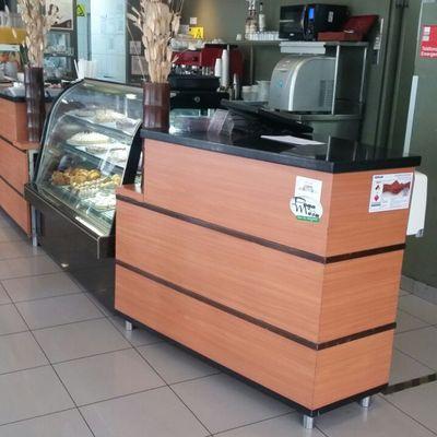 Muebles para cafeterias top sillas periqueras para - Muebles cafeteria ...