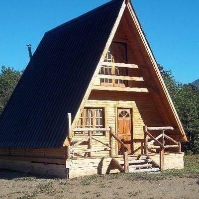Construcci n de caba a alpina tom n los lagos regi n for Planos de cabanas campestres