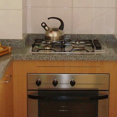 mueble para cocina encimera y horno empotradeo las