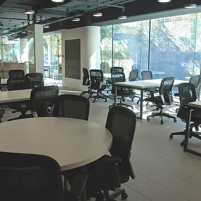 Dise o oficinas colaborativas vi a del mar regi n v for Muebles de oficina vina del mar