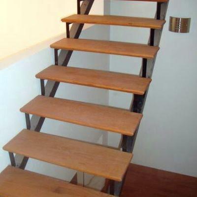 Hacer una escalera de fierro y madera osorno regi n x for Como trazar una escalera de madera
