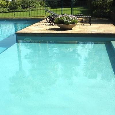 Construcci n piscina chicureo colina regi n for Precio piscina obra 8x4
