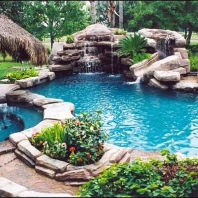 Construir una piscina tipo r stica de unos 80m2 de for Precio para construir una piscina