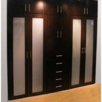 Closet moderno madera la reina regi n metropolitana for Valor closet en madera