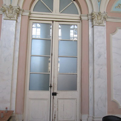 Restauraci n quincaller a puertas de madera antiguas for Restauracion de puertas antiguas