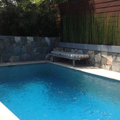 Construir piscina y equipamiento las condes regi n - Precio construir piscina ...