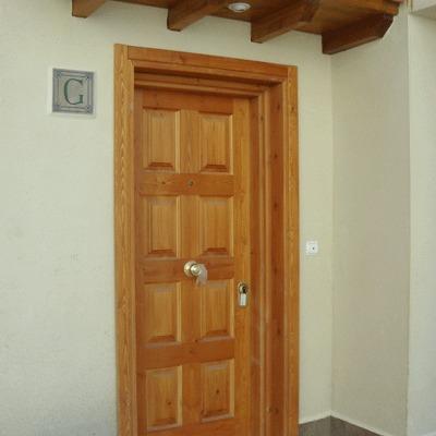 Cambio de marco puerta y ventanas la florida regi n for Marco puerta madera