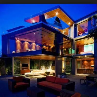 Casa moderna ventanales 150 mts2 4 dormitorios 4 ba os for Casa con piscina huechuraba