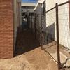 Remodelación entrada y exteriores casa en superficie inclinada