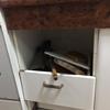 Reparación de puerta de calle, closet y cajones de cocina