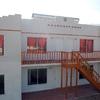 Construcción de 8 habitaciones de 16 metros cuadrados, cada una con baño - según planos
