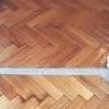 Pulir y barnizar pisos de madera